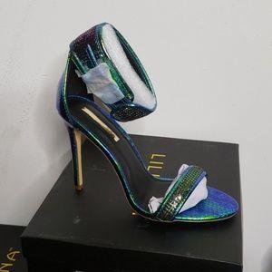 Shoes - Hologram heels
